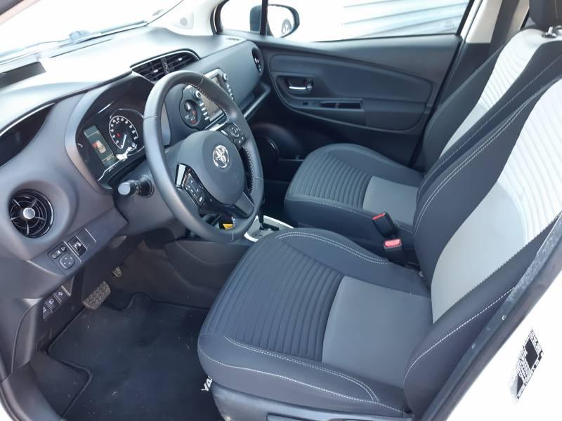 Toyota Yaris HYBRIDE MY19 100h Dynamic Blanc occasion à Brive-la-Gaillarde - photo n°7