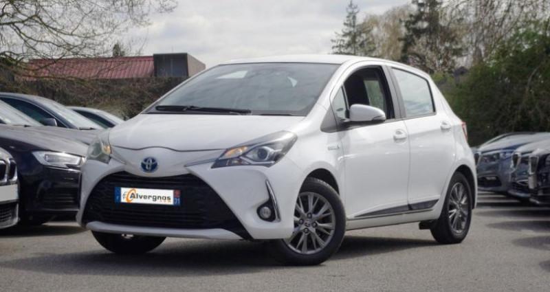 Toyota Yaris III (2) HYBRID 100H DYNAMIC BUSINESS 5P Blanc occasion à Chambourcy