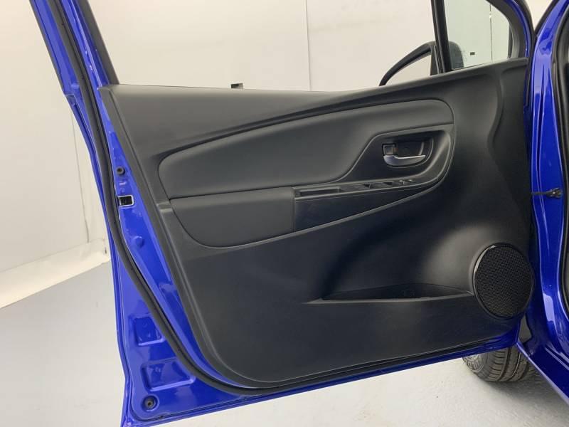 Toyota Yaris MC2 69 VVT-i Design Bleu occasion à SAINT-BRIEUC - photo n°12