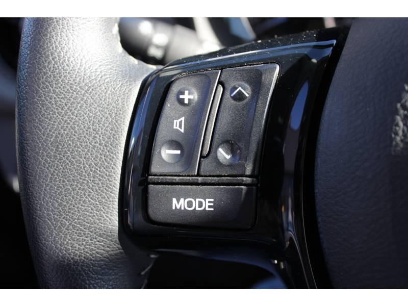 Toyota Yaris PRO MY19 110 VVT-i France Business Blanc occasion à Muret - photo n°8