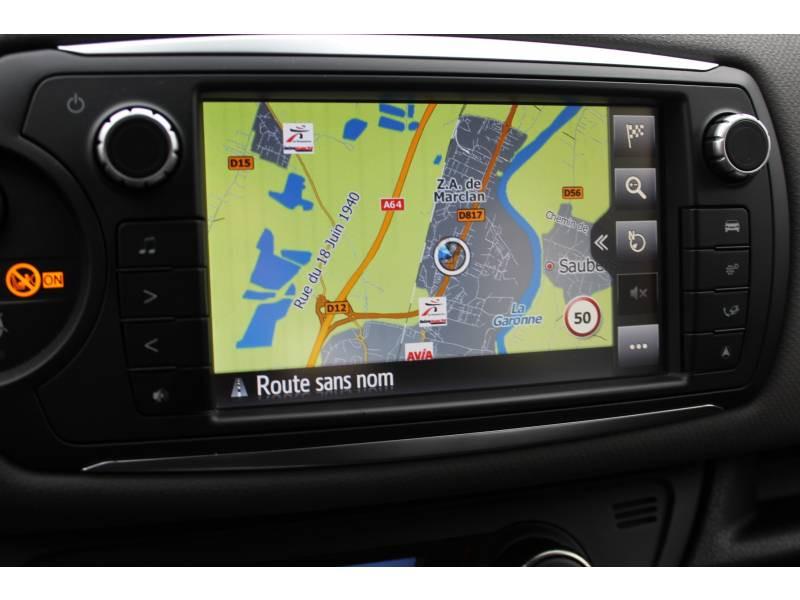 Toyota Yaris PRO MY19 110 VVT-i France Business Blanc occasion à Muret - photo n°12
