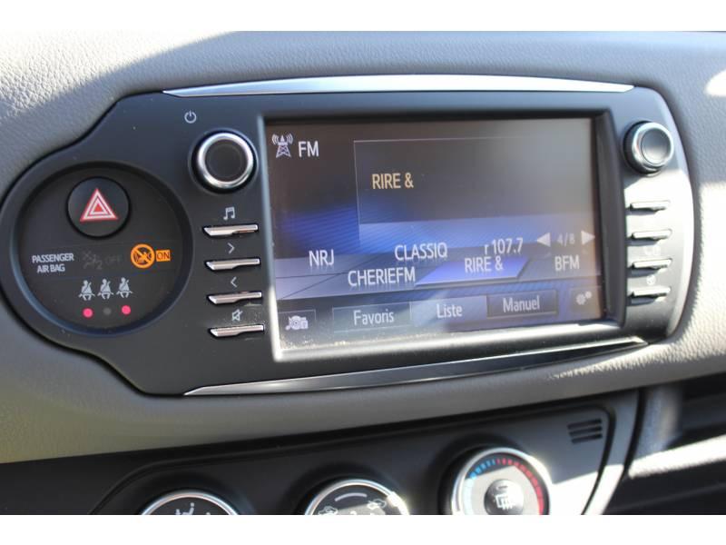 Toyota Yaris PRO MY19 110 VVT-i France Business Blanc occasion à Muret - photo n°4
