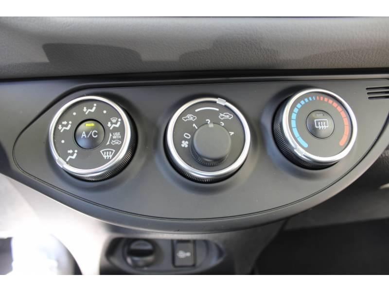 Toyota Yaris PRO RC19 110 VVT-i France Business Blanc occasion à Toulouse - photo n°7