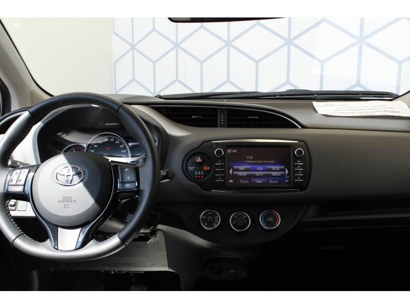 Toyota Yaris PRO RC19 110 VVT-i France Business Blanc occasion à Toulouse - photo n°11