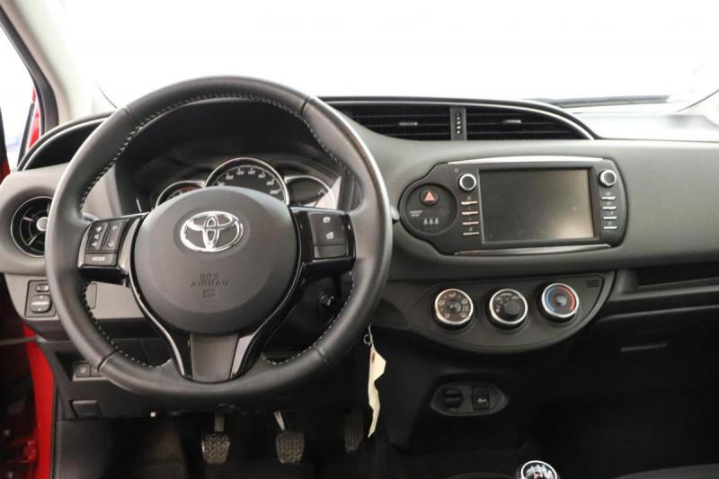 Toyota Yaris RC18 70 VVT-i Active Rouge occasion à Vélizy-Villacoublay - photo n°4