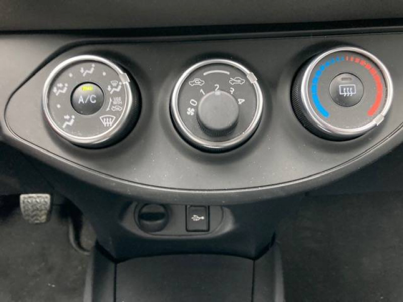Toyota Yaris Yaris 70 VVT-i France 3p Blanc occasion à Tulle - photo n°9
