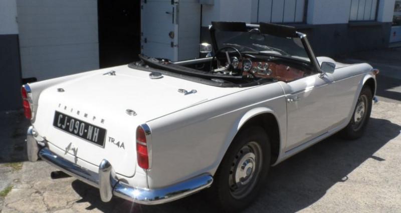 Triumph TR4 IRS Blanc occasion à CHAGNY - photo n°2