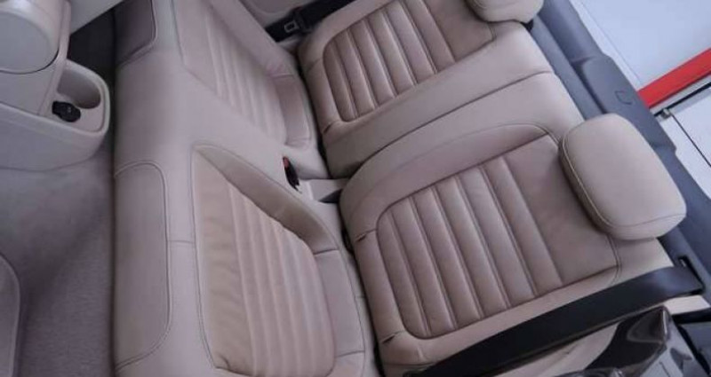 Volkswagen Beetle 1.6 TDI 1O5CV DESIGN GPS CUIR CLIM COUPE VENT Marron occasion à Sombreffe - photo n°4