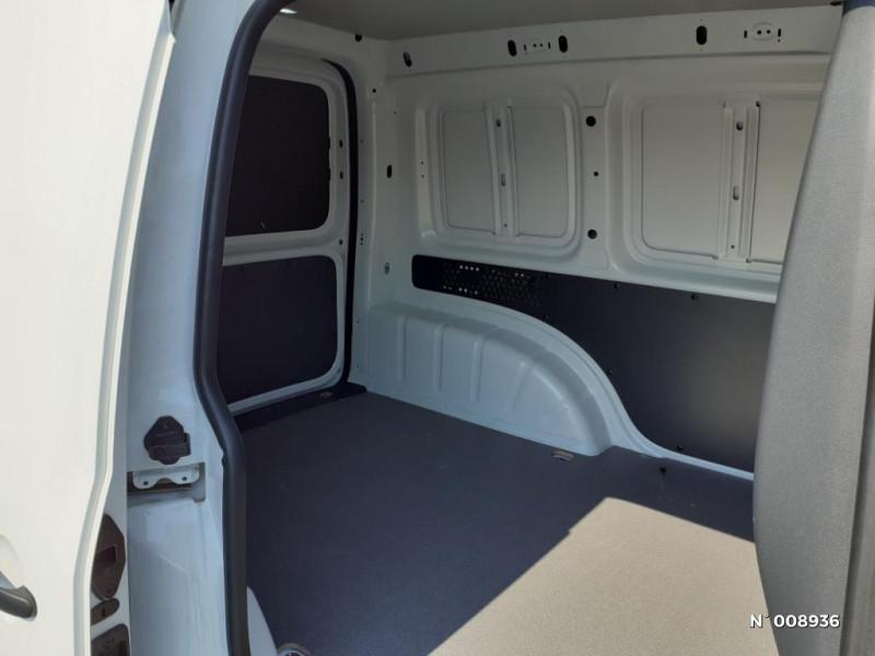 Volkswagen Caddy Van Maxi 2.0 TDI 102ch Business Line Blanc occasion à Mareuil-lès-Meaux - photo n°5