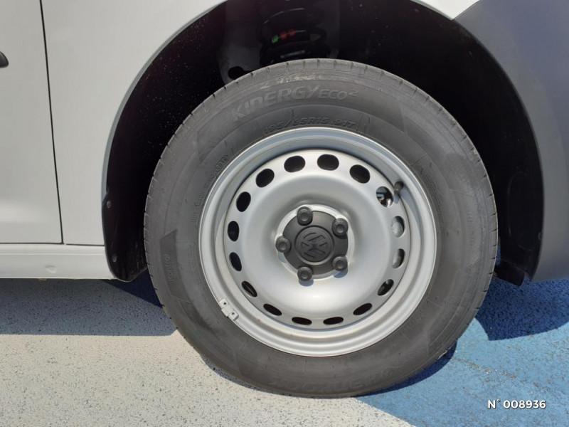 Volkswagen Caddy Van Maxi 2.0 TDI 102ch Business Line Blanc occasion à Mareuil-lès-Meaux - photo n°9