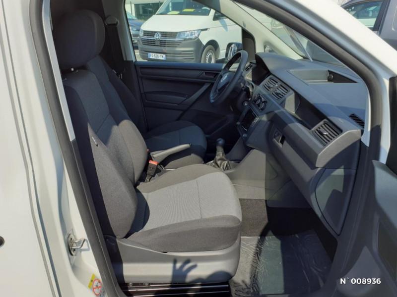 Volkswagen Caddy Van Maxi 2.0 TDI 102ch Business Line Blanc occasion à Mareuil-lès-Meaux - photo n°4