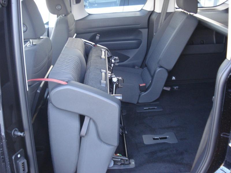 Volkswagen Caddy 2.0 TDI 122ch Life Noir occasion à Aurillac - photo n°12
