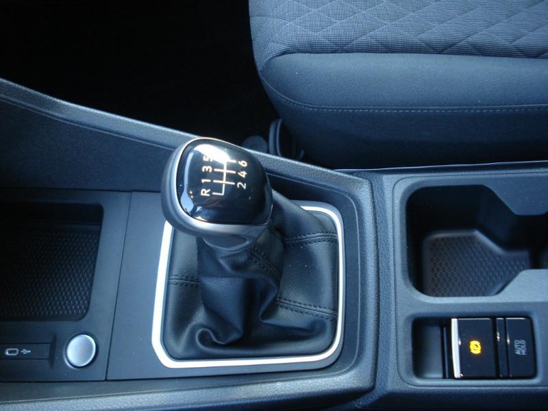 Volkswagen Caddy 2.0 TDI 122ch Life Noir occasion à Aurillac - photo n°8