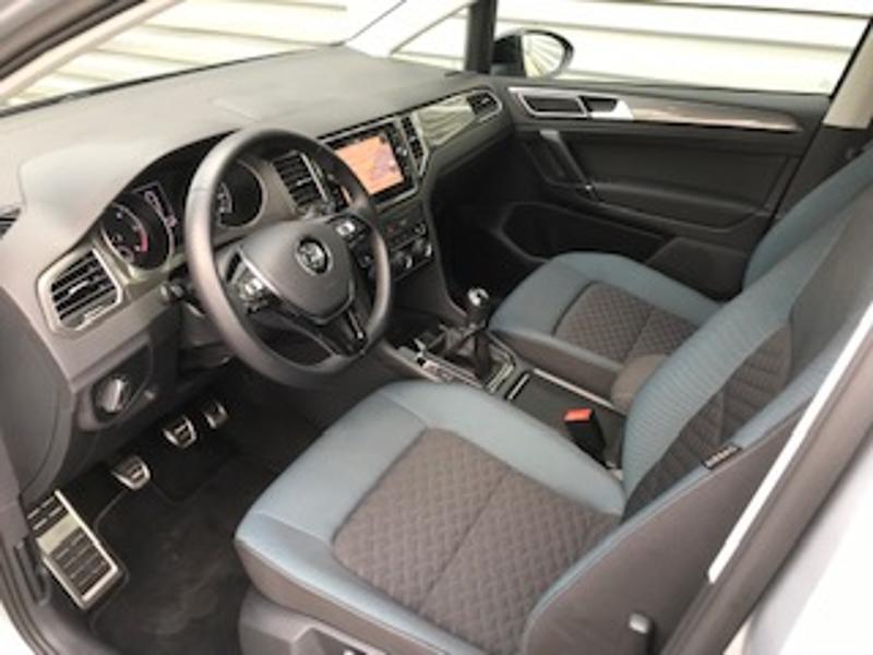 Volkswagen Golf Sportsvan 1.6 TDI 115ch BlueMotion Technology FAP IQ.Drive Euro6d-T Argent occasion à LESCAR - photo n°2
