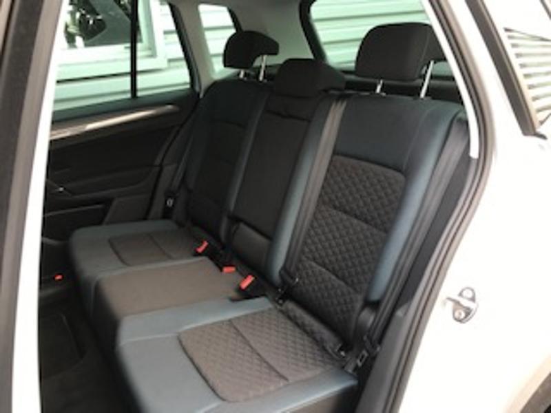 Volkswagen Golf Sportsvan 1.6 TDI 115ch BlueMotion Technology FAP IQ.Drive Euro6d-T Argent occasion à LESCAR - photo n°5
