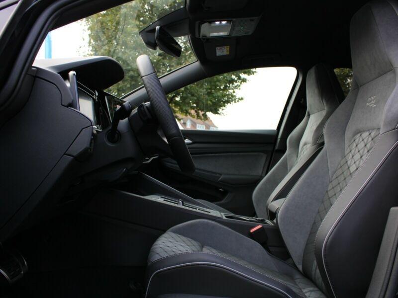 Volkswagen Golf VII 1.5 ETSI OPF 150CH  R-LINE 1ST DSG7 Noir occasion à Villenave-d'Ornon - photo n°4