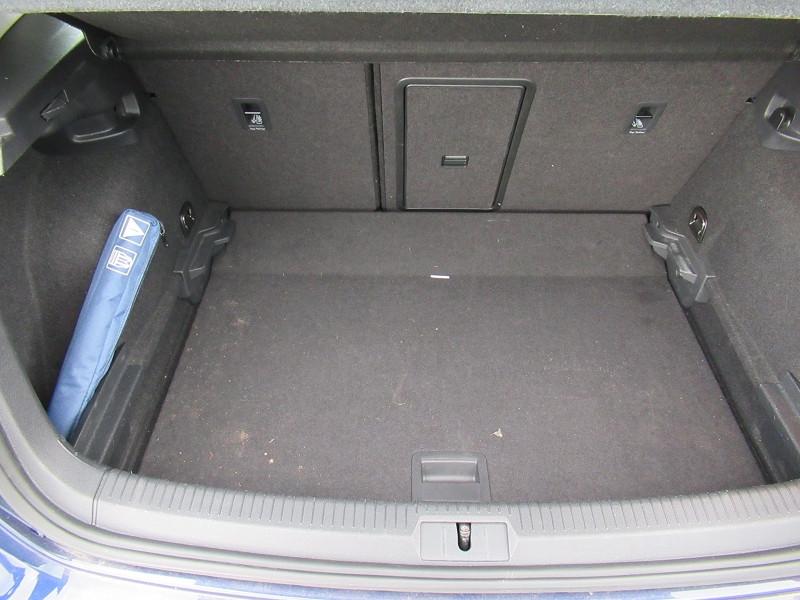Volkswagen Golf VII 1.6 TDI 115CH FAP CONFORTLINE DSG7 EURO6D-T 5P Bleu occasion à Labège - photo n°9
