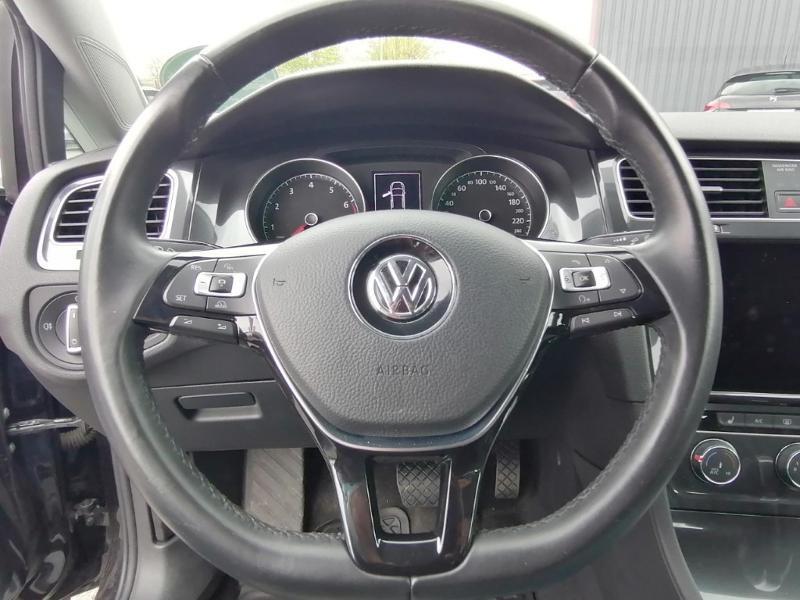 Volkswagen Golf 1.0 TSI 110ch BlueMotion Technology R-Line DSG7 Noir occasion à Saint-Maximin - photo n°15