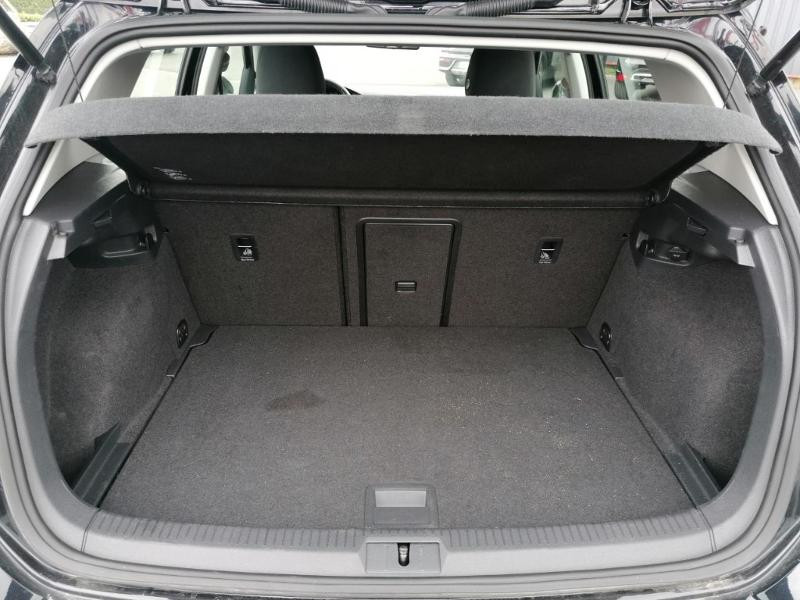 Volkswagen Golf 1.0 TSI 110ch BlueMotion Technology R-Line DSG7 Noir occasion à Saint-Maximin - photo n°12