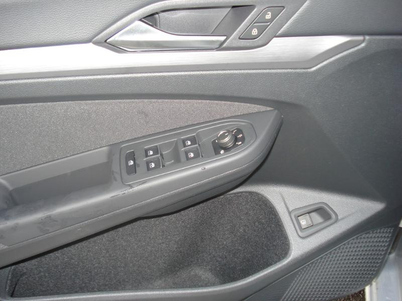 Volkswagen Golf 1.4 eHybrid OPF 204ch Style 1st DSG6 Argent occasion à Aurillac - photo n°8