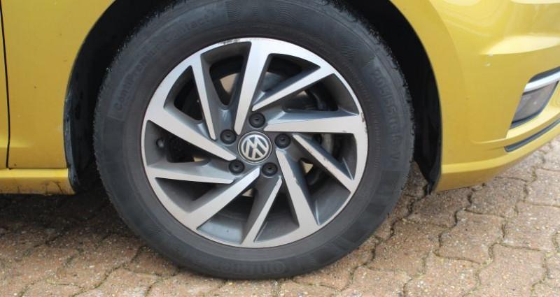 Volkswagen Golf 110ch BlueMotion Technology Sound Jaune occasion à COIGNIERES - photo n°7