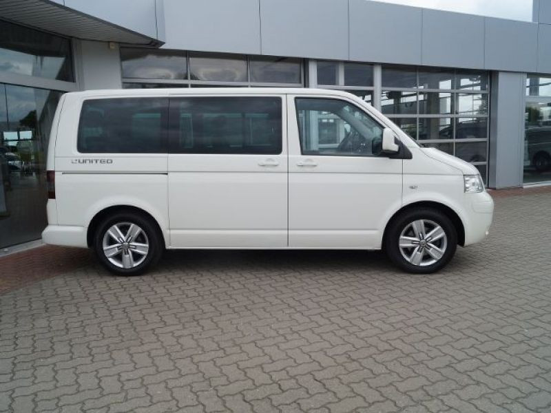 Volkswagen Multivan T5 2.0 TDI 180 ch Blanc occasion à Beaupuy - photo n°7