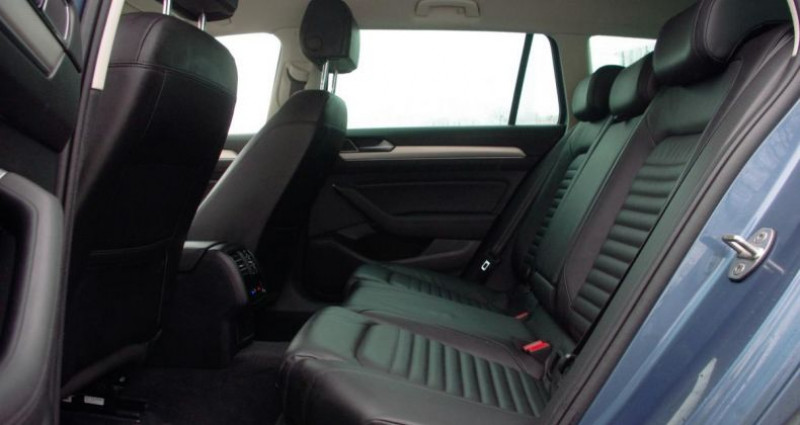 Volkswagen Passat Alltrack VIII 2.0 TDI 190 4WD DSG6 Bleu occasion à Chambourcy - photo n°4