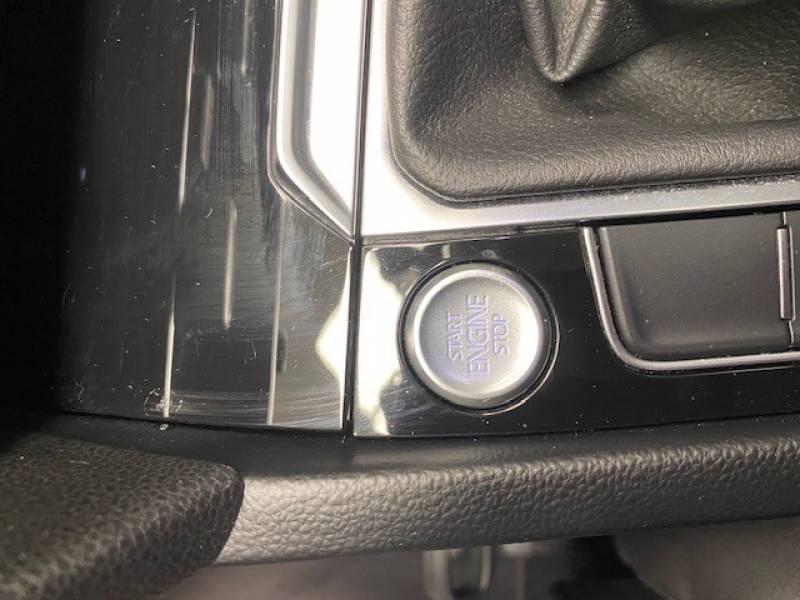 Volkswagen Passat SW 2.0 TDI 150 BMT Carat Noir occasion à Lormont - photo n°17