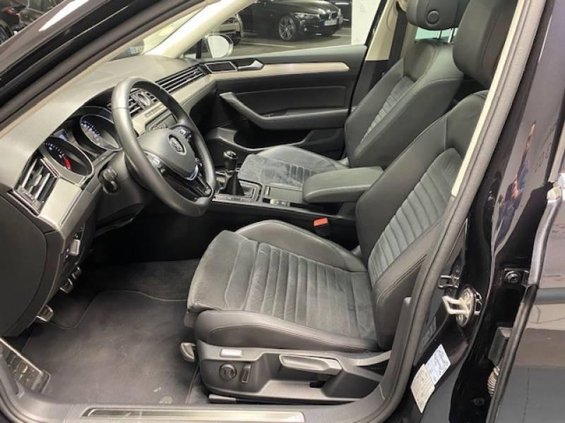 Volkswagen Passat SW 2.0 TDI 150 BMT Carat Noir occasion à Lormont - photo n°12