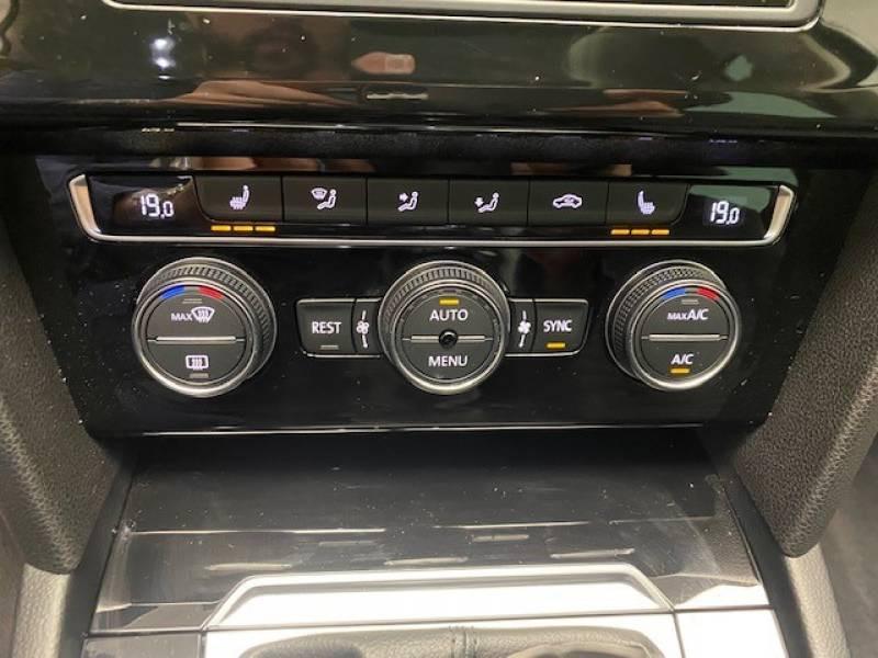 Volkswagen Passat SW 2.0 TDI 150 BMT Carat Noir occasion à Lormont - photo n°16
