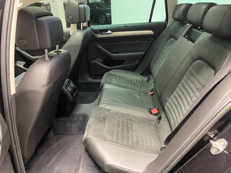 Volkswagen Passat SW 2.0 TDI 150 BMT Carat Noir occasion à Lormont - photo n°13