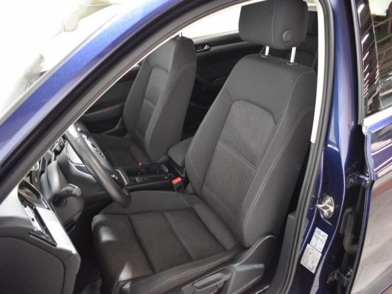 Volkswagen Passat SW 2.0 TDI 150 ch Bleu occasion à Beaupuy - photo n°6