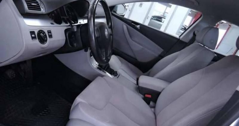 Volkswagen Passat V 1.6 TDI 1O5CV BLUEMOTION GRAND GPS CLIM JANTES Gris occasion à Sombreffe - photo n°3