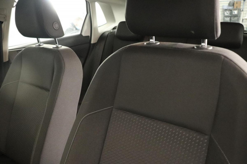 Volkswagen Polo 1.0 80 S&S BVM5 Lounge Blanc occasion à Aubagne - photo n°8