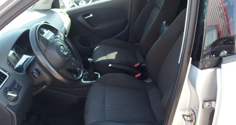 Volkswagen Polo 1.6 TDI 90CH BLUEMOTION TECHNOLOGY FAP CONFORTLINE 5P Gris occasion à FONTAINE LES GRES - photo n°3
