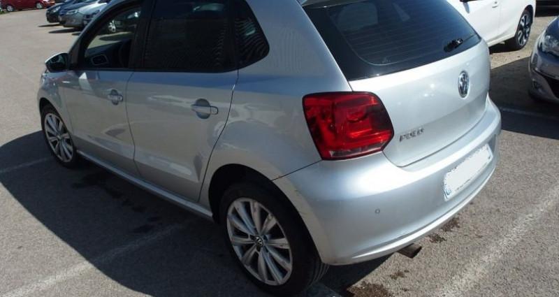 Volkswagen Polo 1.6 TDI 90CH BLUEMOTION TECHNOLOGY FAP CONFORTLINE 5P Gris occasion à FONTAINE LES GRES - photo n°2