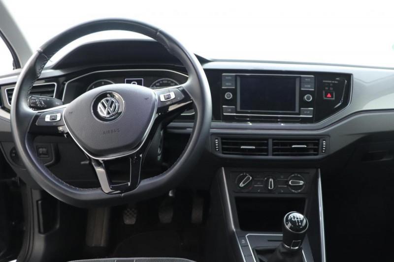 Volkswagen Polo 1.6 TDI 95 S&S BVM5 Confortline Gris occasion à Saint-Priest - photo n°4