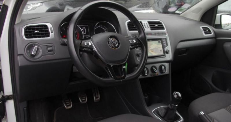 Volkswagen Polo V (2) 1.0 60 ALLSTAR 3P Blanc occasion à Chambourcy - photo n°2