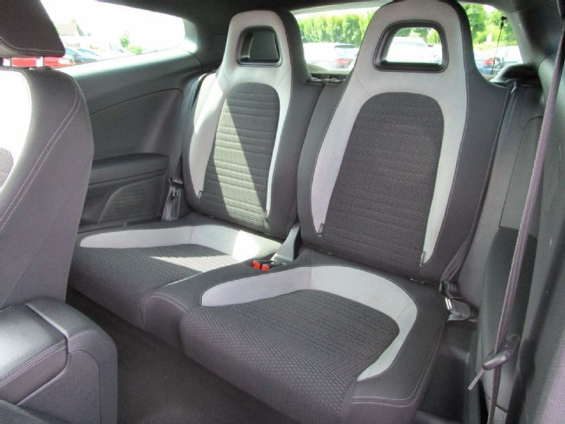 Volkswagen Scirocco 2.0 TSI 265 R DSG Noir occasion à Beaupuy - photo n°9