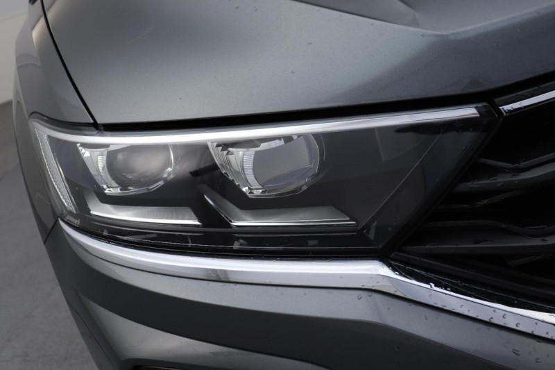 Volkswagen T-Roc 2.0 TDI 150 Start/Stop DSG7 R-Line Gris occasion à Osny - photo n°8