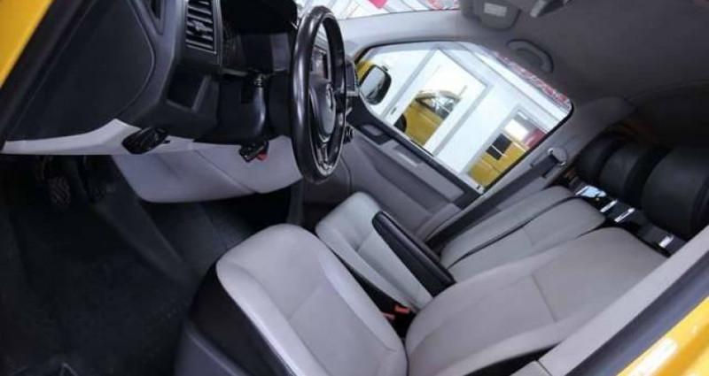 Volkswagen T6 Caravelle 2.OTDI 14OCV Jaune occasion à Sombreffe - photo n°3