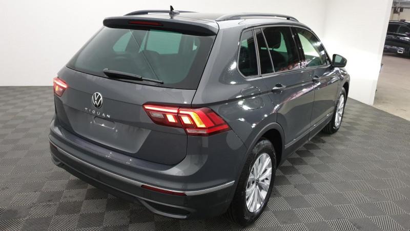 Volkswagen Tiguan 1.5 tsi 150cv dsg7 life + navi + camera de recul + park assi Gris occasion à Riorges - photo n°4