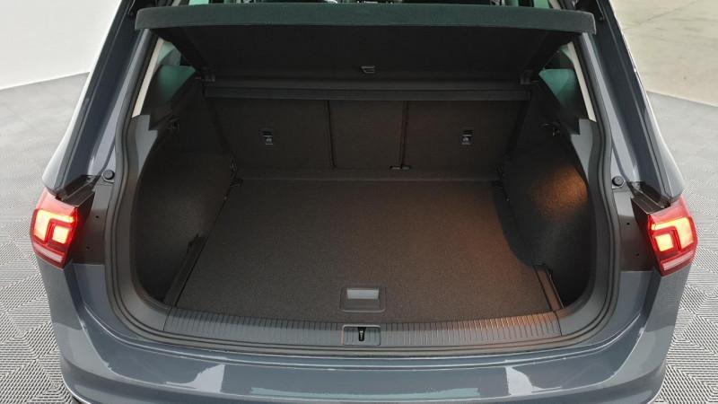 Volkswagen Tiguan 1.5 tsi 150cv dsg7 life + navi + camera de recul + park assi Gris occasion à Riorges - photo n°5