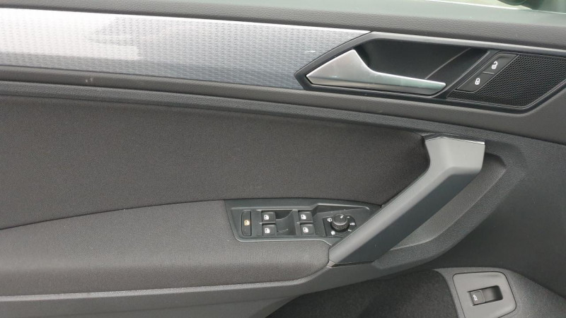 Volkswagen Tiguan 1.5 tsi 150cv evo dsg7 life + camera de recul + pack keyless Noir occasion à Ganges - photo n°12