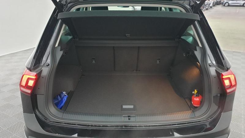 Volkswagen Tiguan 1.5 tsi 150cv evo dsg7 life + camera de recul + pack keyless Noir occasion à Ganges - photo n°5