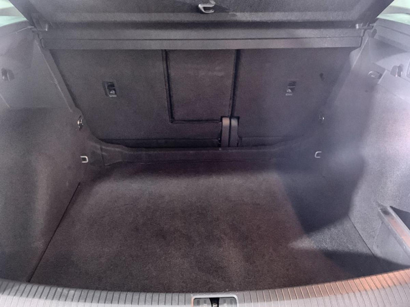 Volkswagen Tiguan 150 DSG 7 IQ.DRIVE  4X4   TOIT   ATTELAGE  occasion à Verfeil - photo n°10
