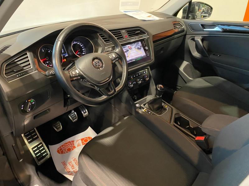 Volkswagen Tiguan 2.0 TDI 115CH SOUND Noir occasion à Foix - photo n°8