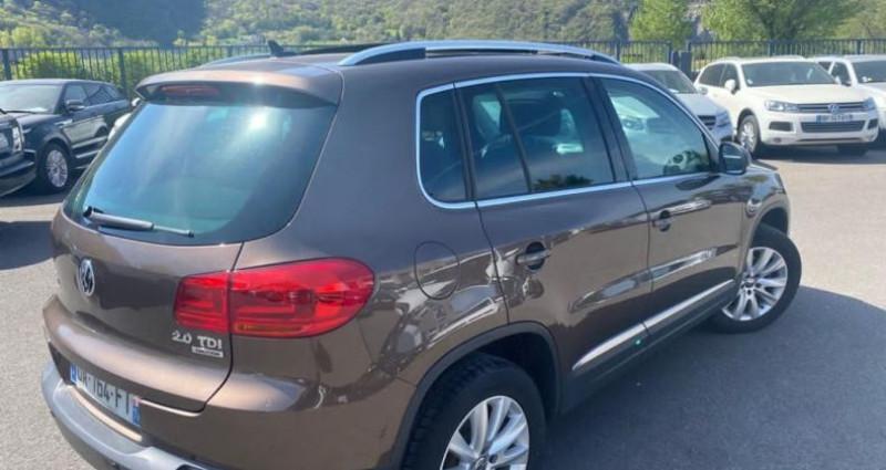 Volkswagen Tiguan 2.0 TDI 140CH BLUEMOTION TECHNOLOGY FAP CARAT 4MOTION Marron occasion à VOREPPE - photo n°2