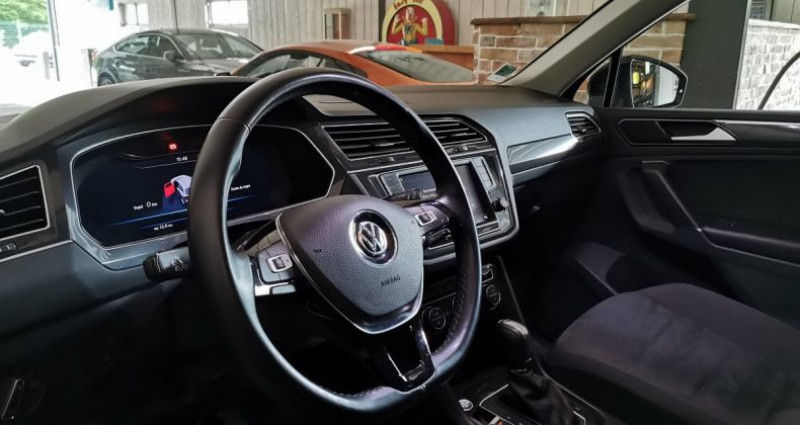 Volkswagen Tiguan 2.0 TDi 150 CV CARAT DSG Noir occasion à Charentilly - photo n°5