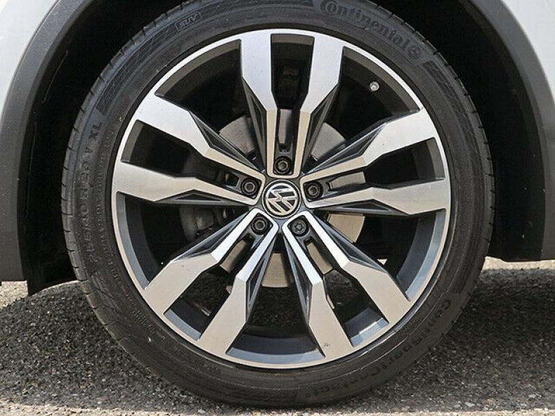 Volkswagen Tiguan 2.0 TDI 150CH BLUEMOTION TECHNOLOGY CARAT EXCLUSIVE 4MOTION  Blanc occasion à Villenave-d'Ornon - photo n°4